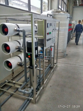 重庆单级三吨纯净水设备
